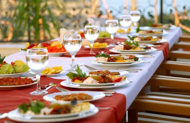 WeddingBroker banquete3