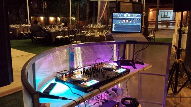 Wedding Broker Lounge Studio 3