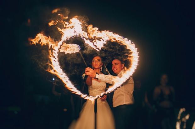 brides fire show
