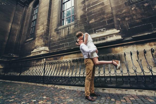 people-two-romance-shirt-wedding_1304-1018
